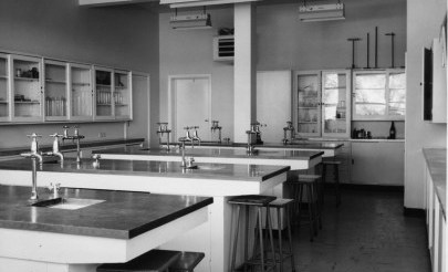 Image for photo: 1960s Science lab.jpg