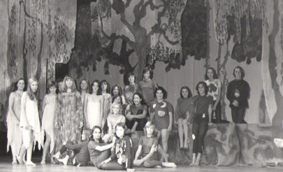 Image for photo: 1976 Midsummer Night\'s Dream group photo on stage.jpg