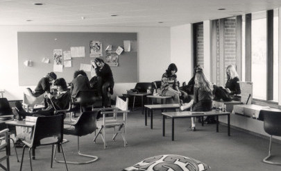 Image for photo: 1977 Year 12 Common Room.jpg